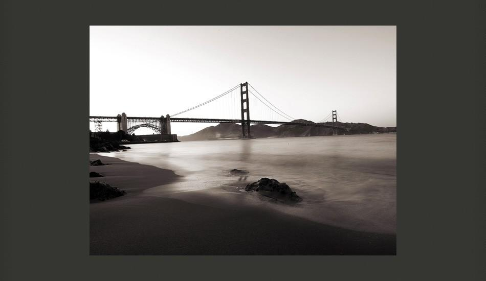 Fotomurale - San Francisco: Il Golden Gate In Bianco E Nero 200X154Cm Carta Da Parato Erroi