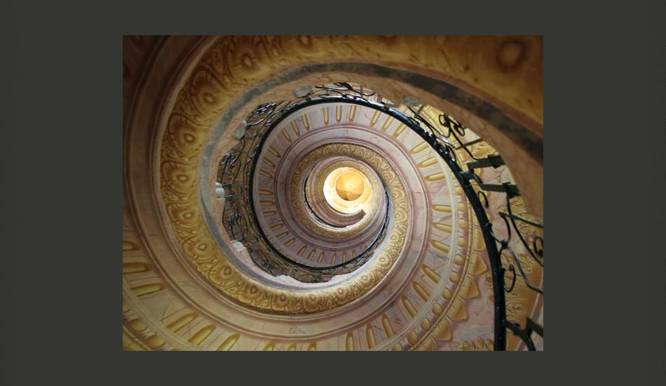 Fotomurale - Decorative Spiral Stairs 200X154Cm Carta Da Parato Erroi